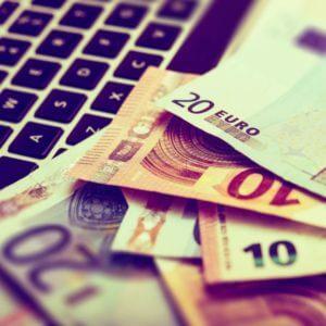 Valuta handel både med dollar, euro og kroner
